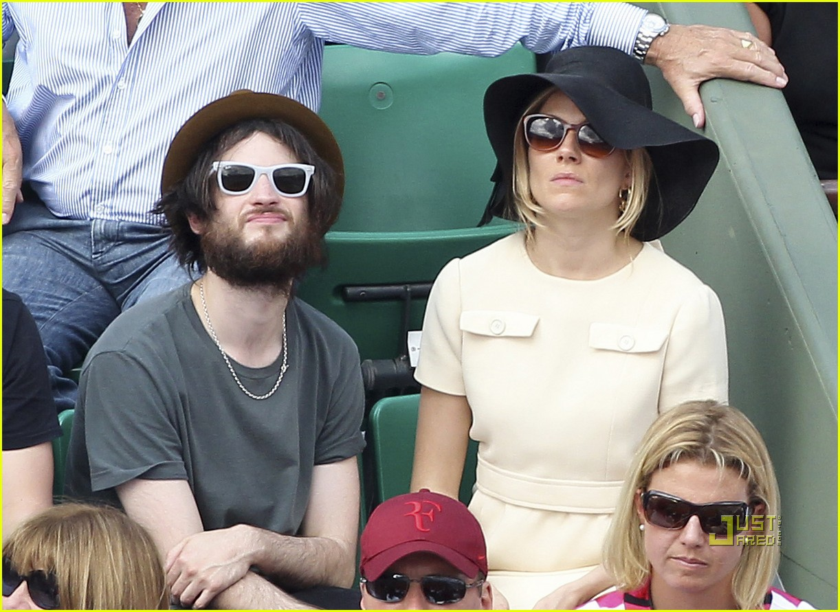 sienna miller tom sturridge french open 02