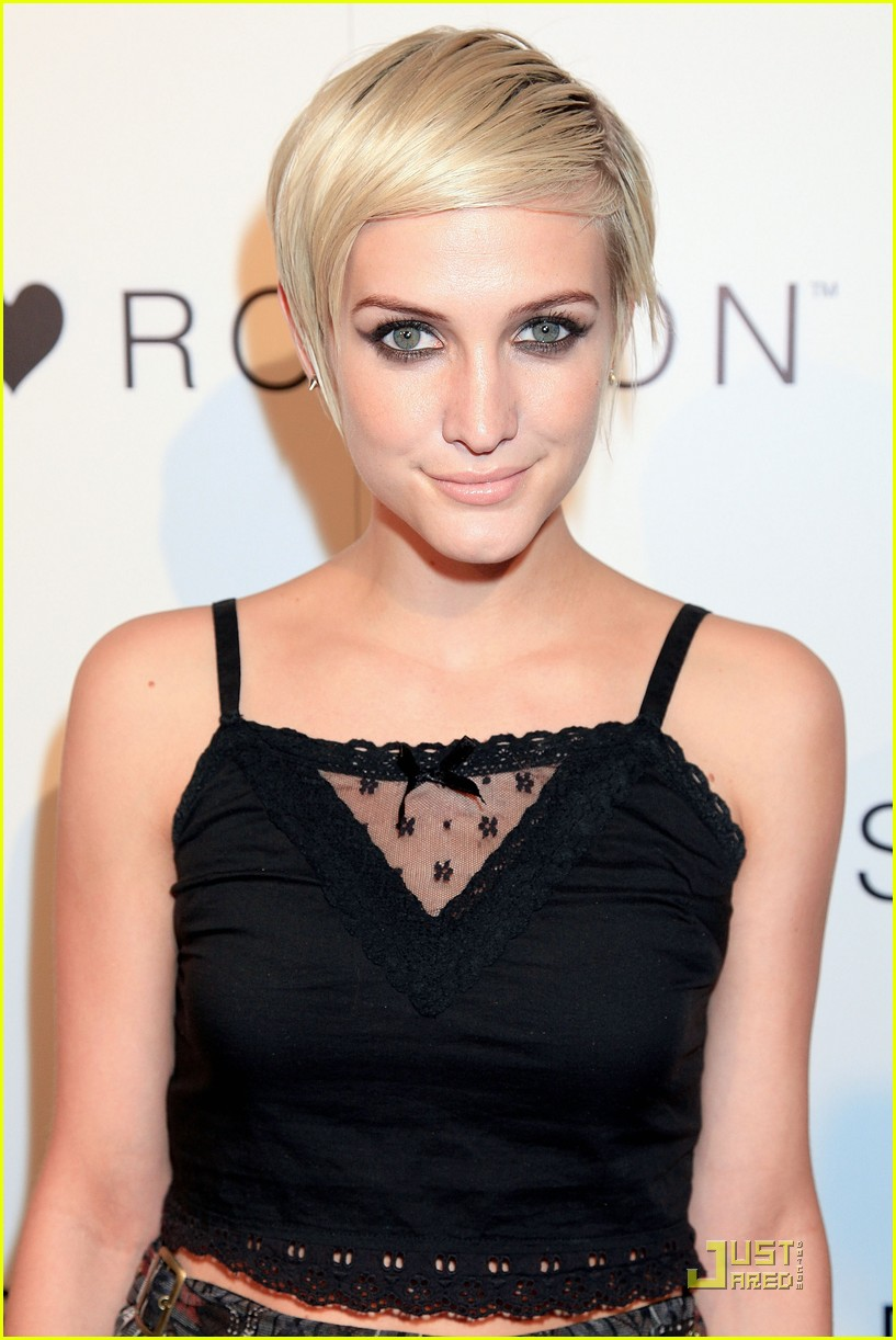 ashlee simpson nicole richie i heart ronson party 02