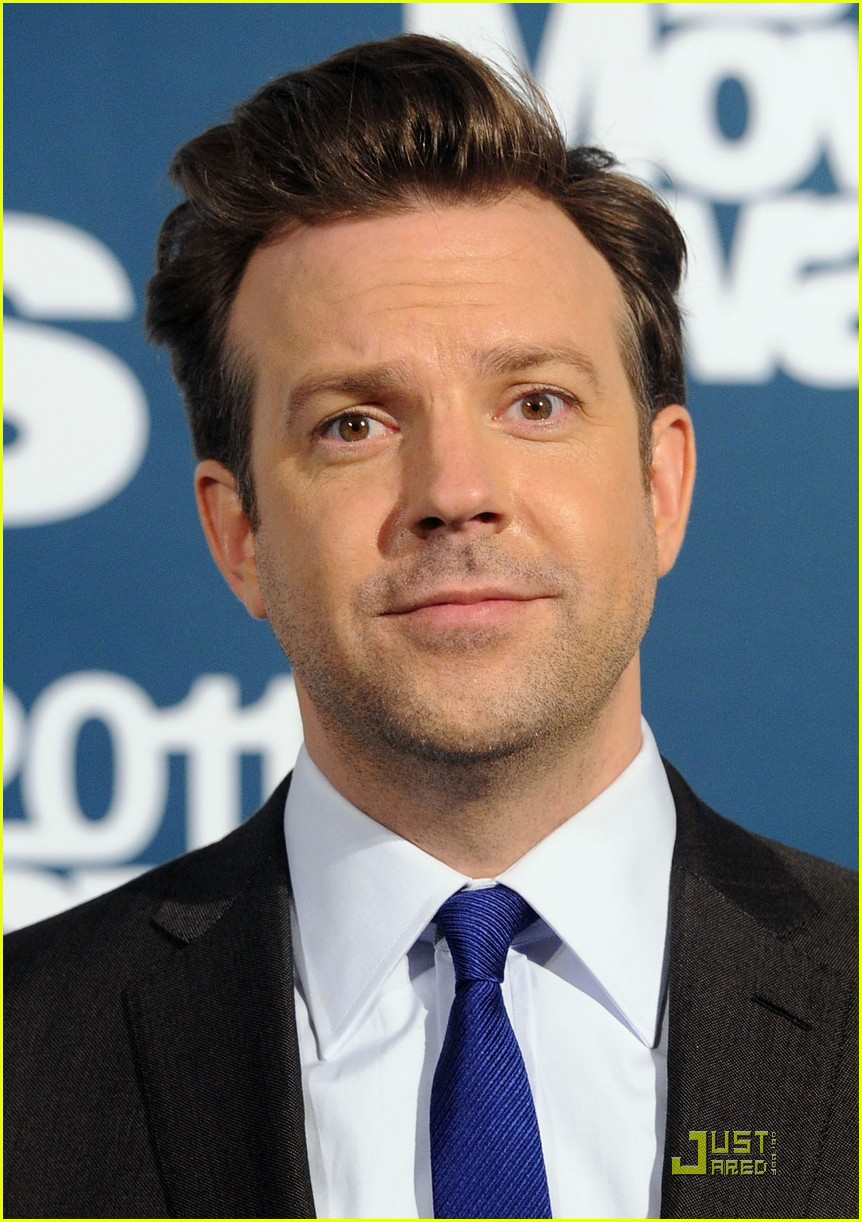 jason sudeikis introduces an opening short film 07