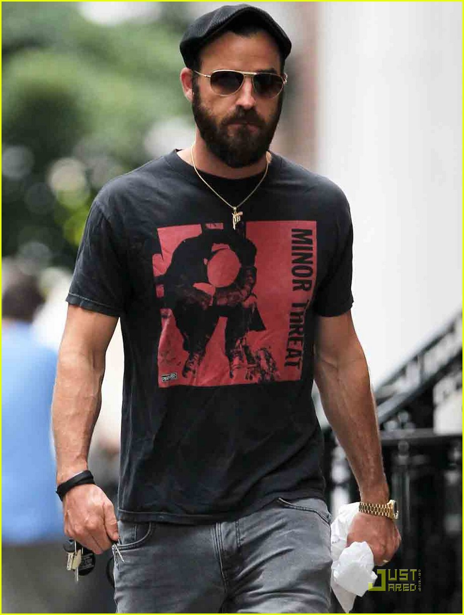 justin theroux nyc walk 05
