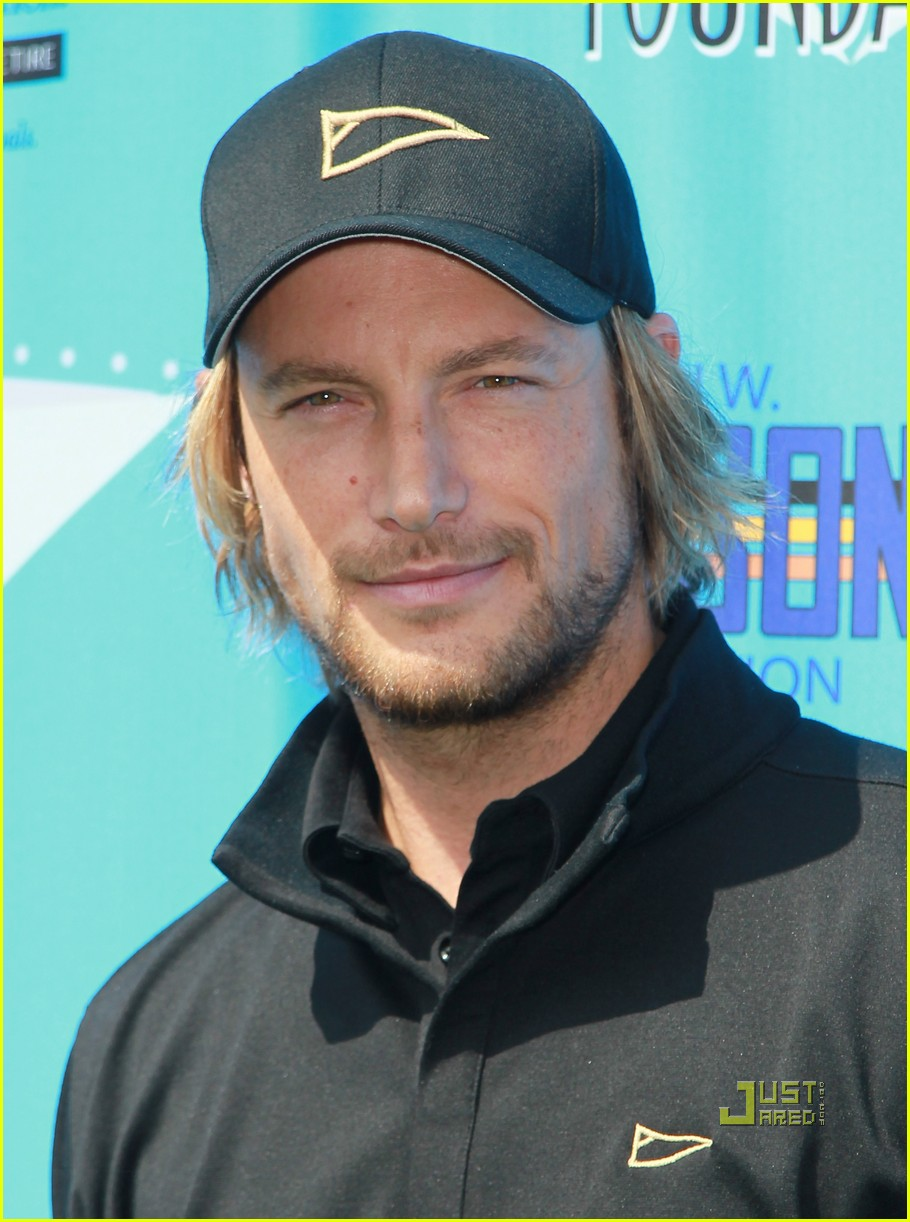 tom welling gabriel aubry sag foundation golf classic 04