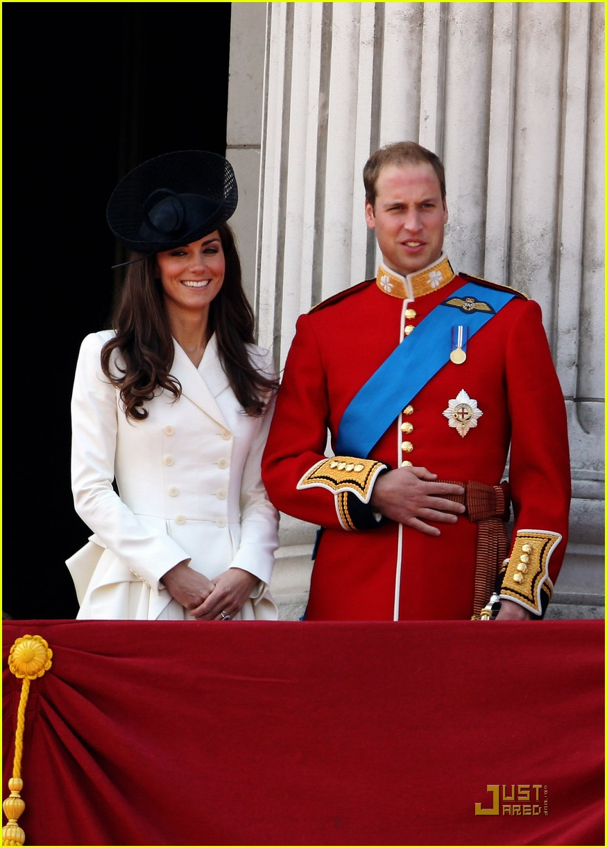 prince william kate middleton troopping colour 04