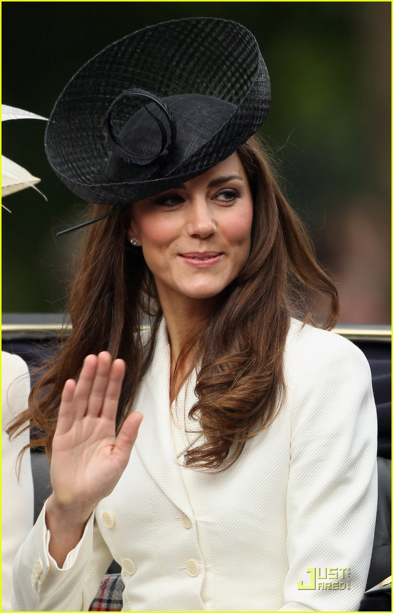 prince william kate middleton troopping colour 05