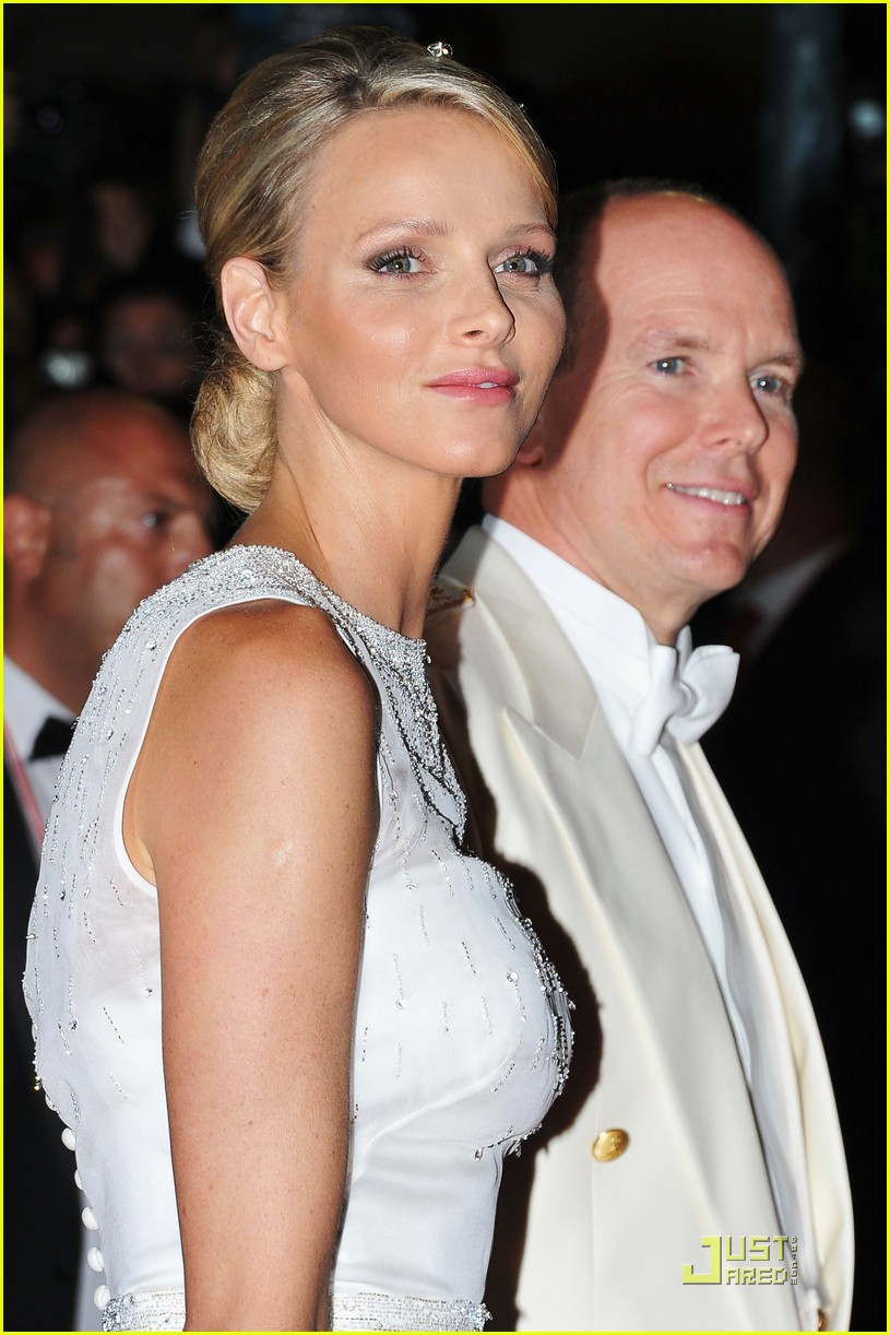 prince albert princess charlene wedding dinner fireworks 02