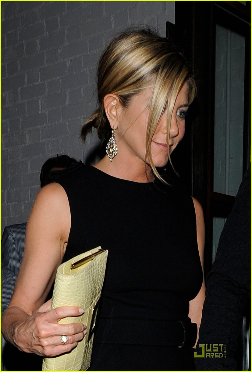 jennifer aniston justin theroux shoreditch 02