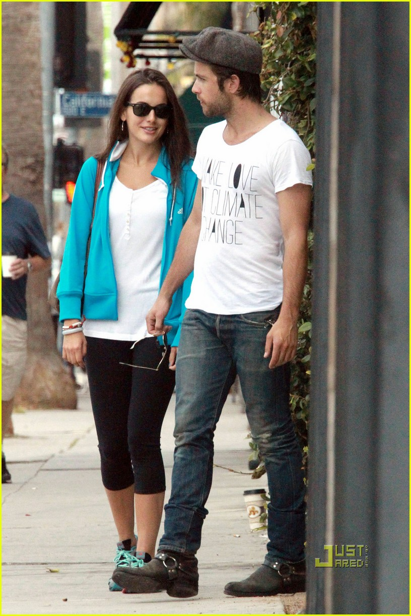 camilla belle justin chatwin brunch 03