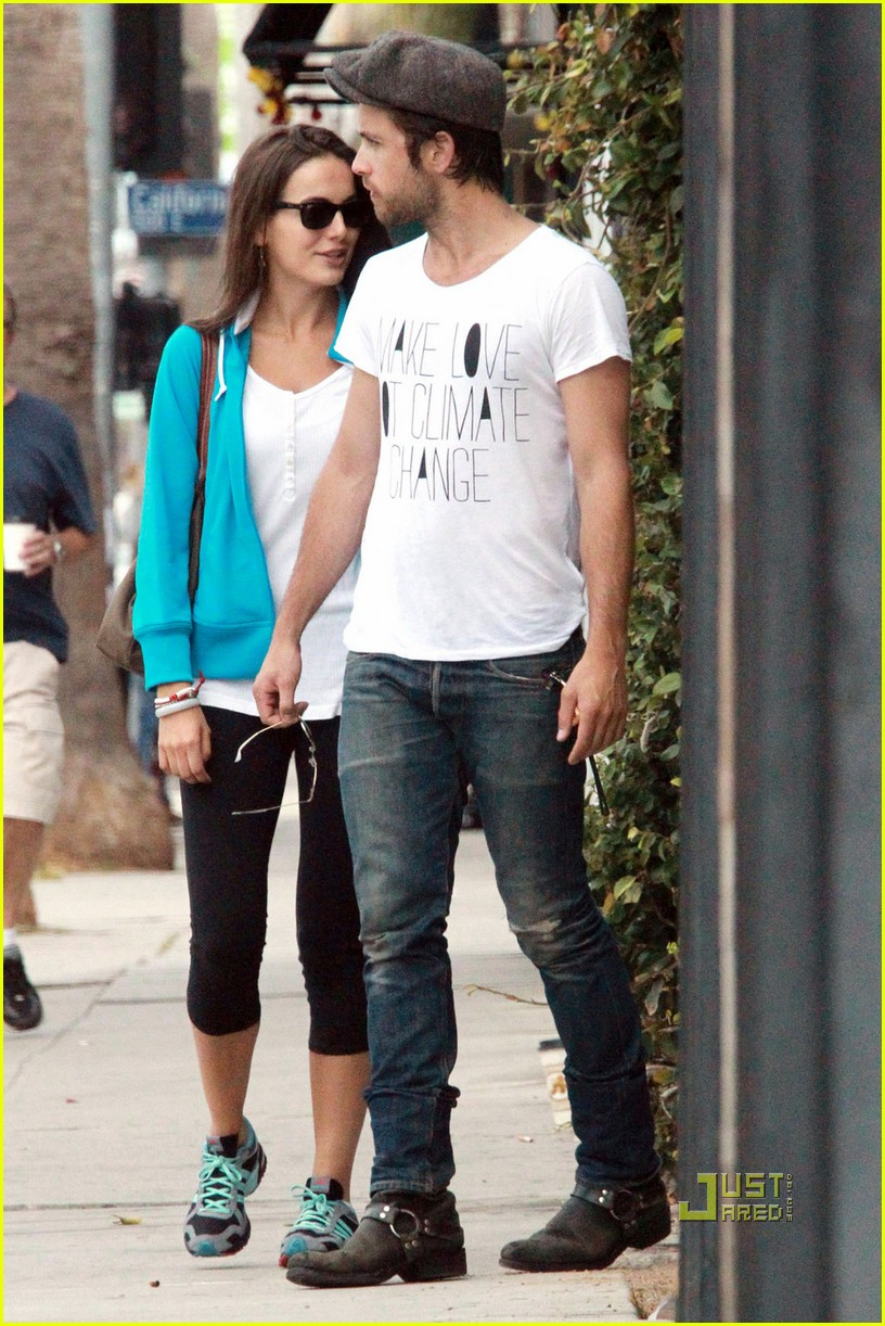 camilla belle justin chatwin brunch 042558623