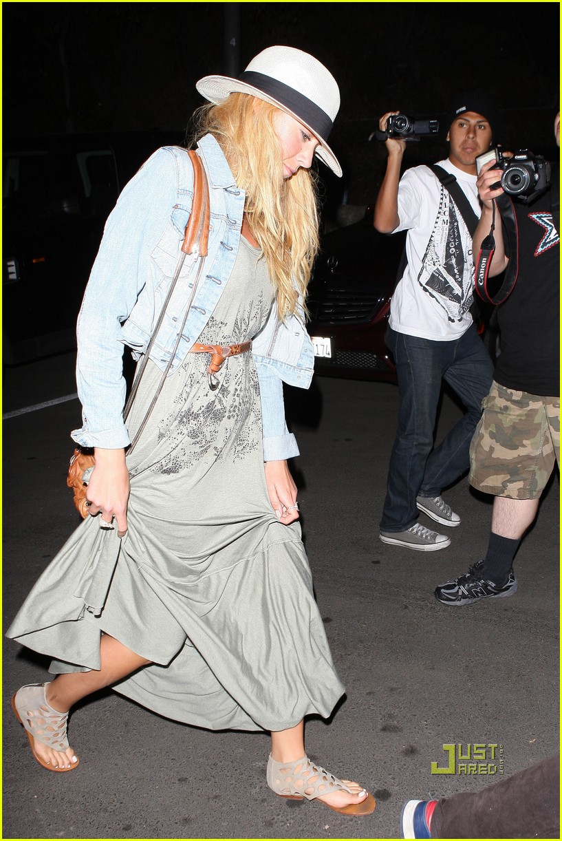 blake lively leonardo dicaprio hollywood bowl 032563642