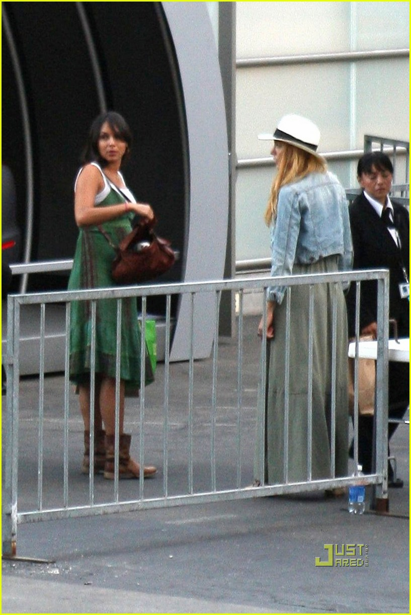 blake lively leonardo dicaprio hollywood bowl 12
