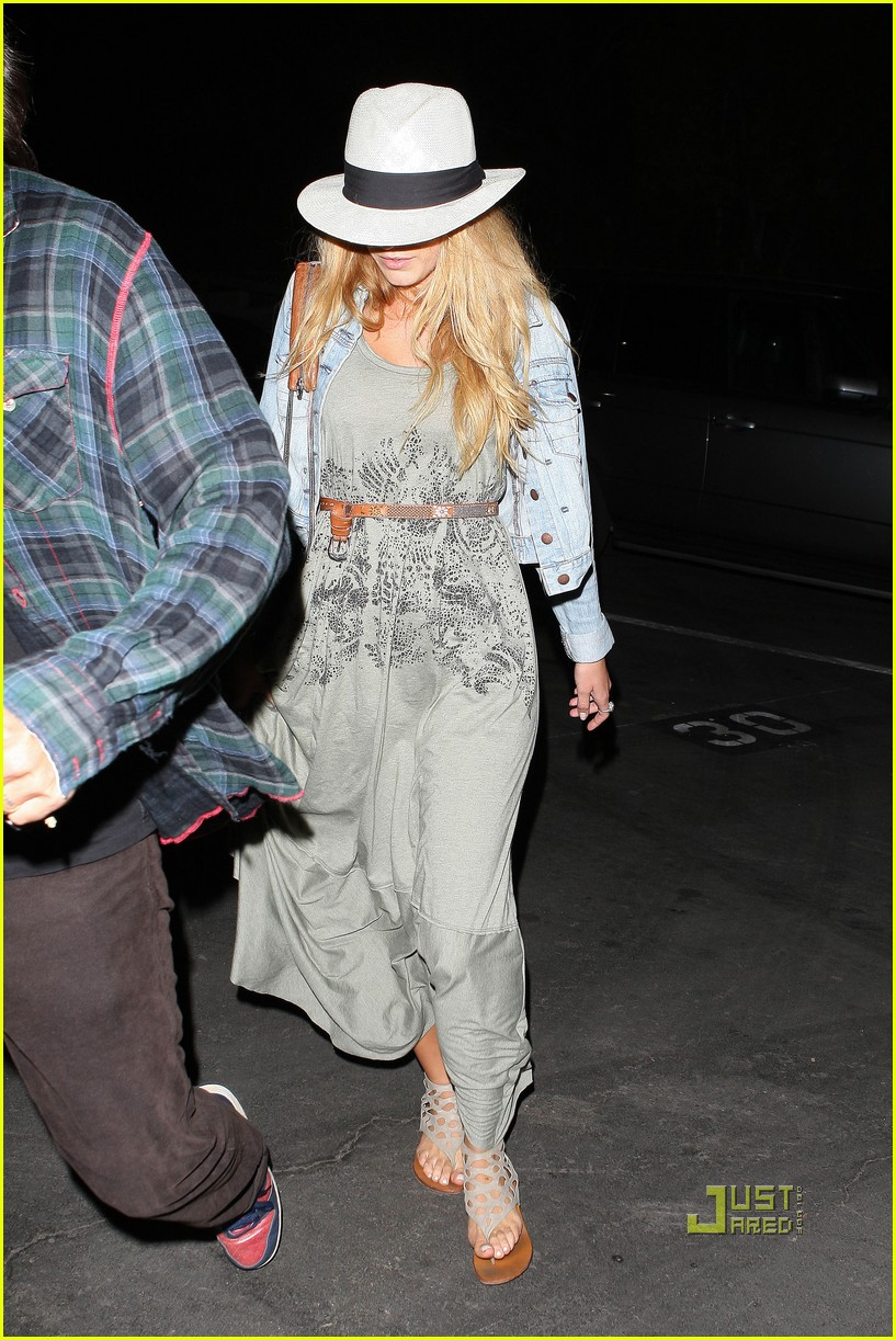 blake lively leonardo dicaprio hollywood bowl 14