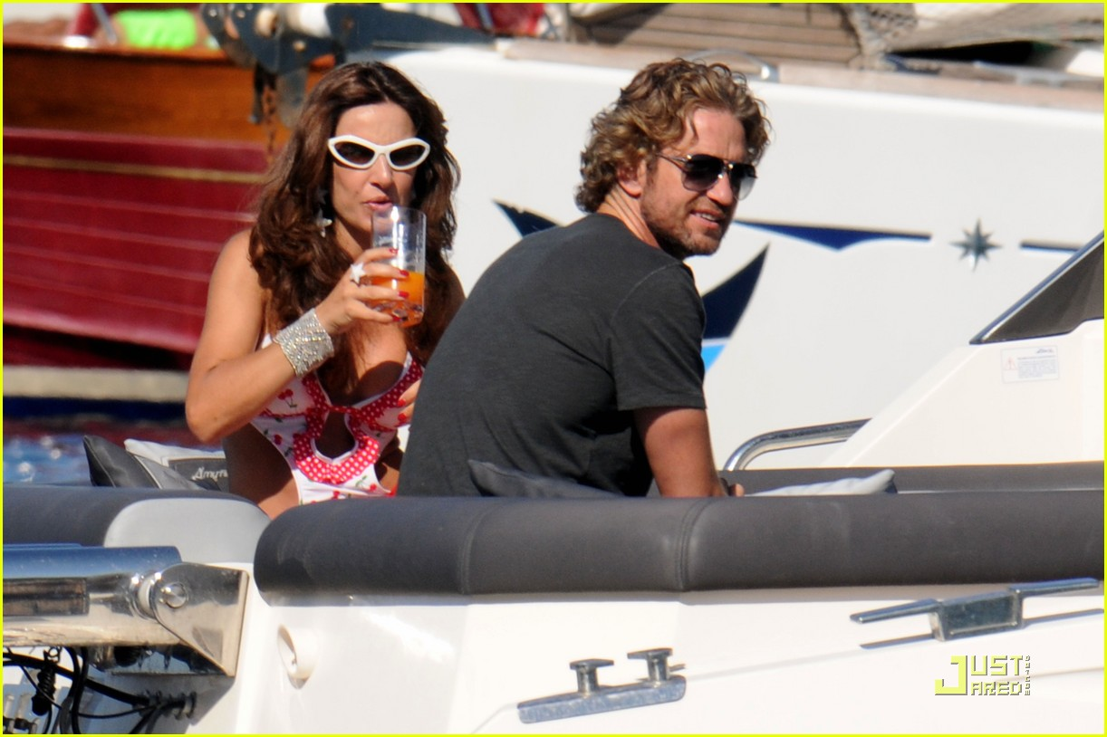 gerard butler shirtless boat ride in ischia 052559121