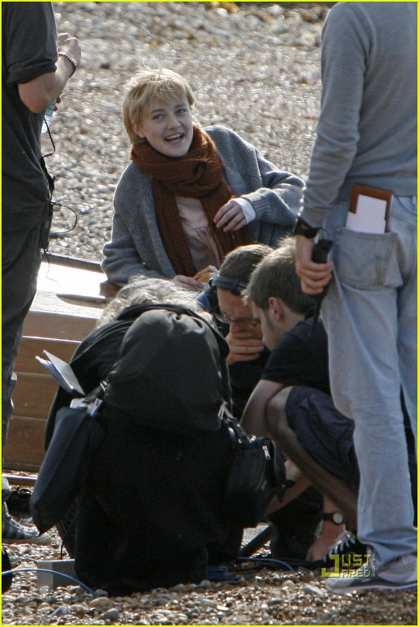 dakota fanning now is good 04
