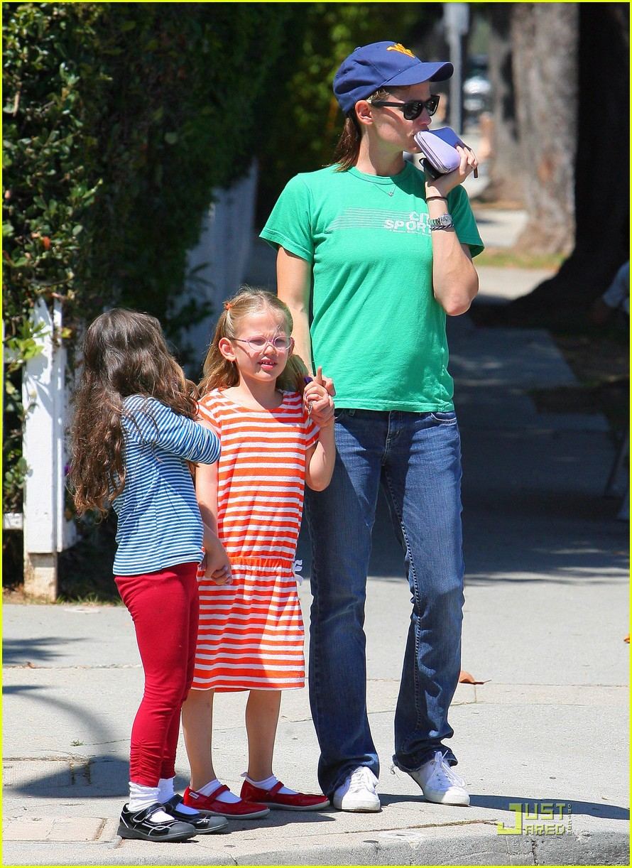 jennifer garner playdate with violet 05