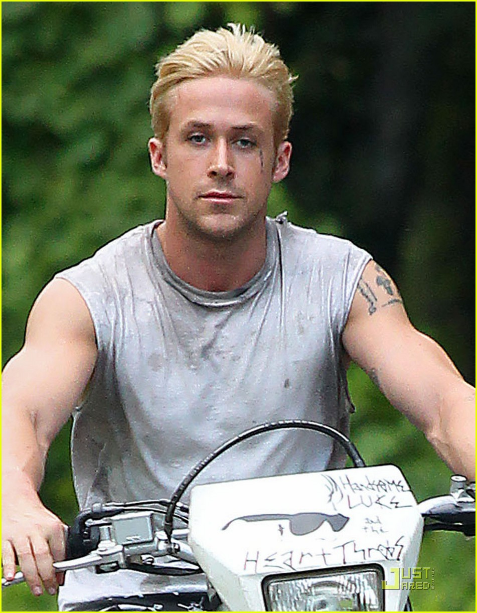 ryan gosling bleached blond hair 02