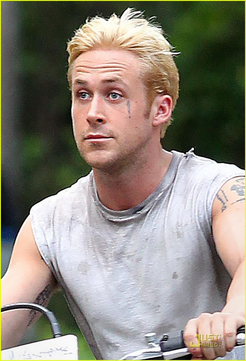 ryan gosling bleached blond hair 04