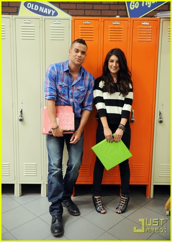 shenae grimes mark salling old navy 01