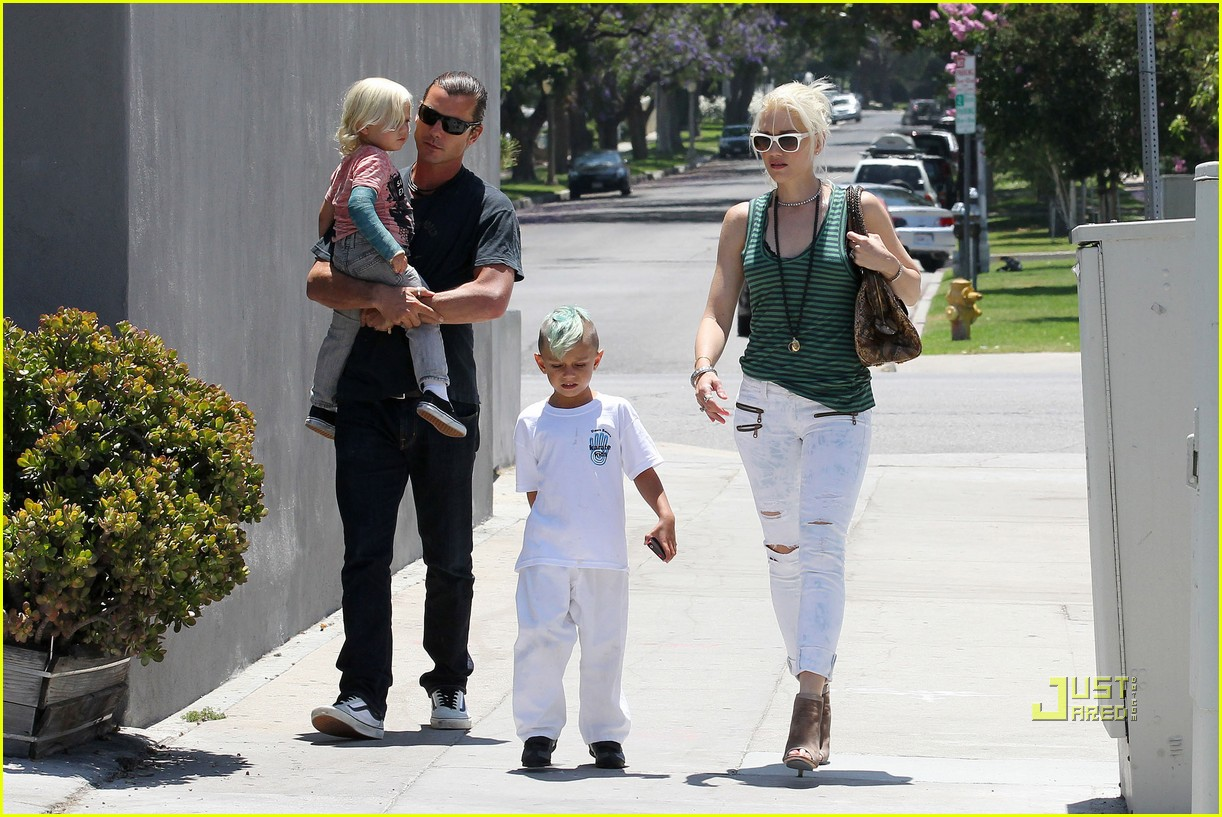 gwen stefani gavin kingston zuma karate 012559738