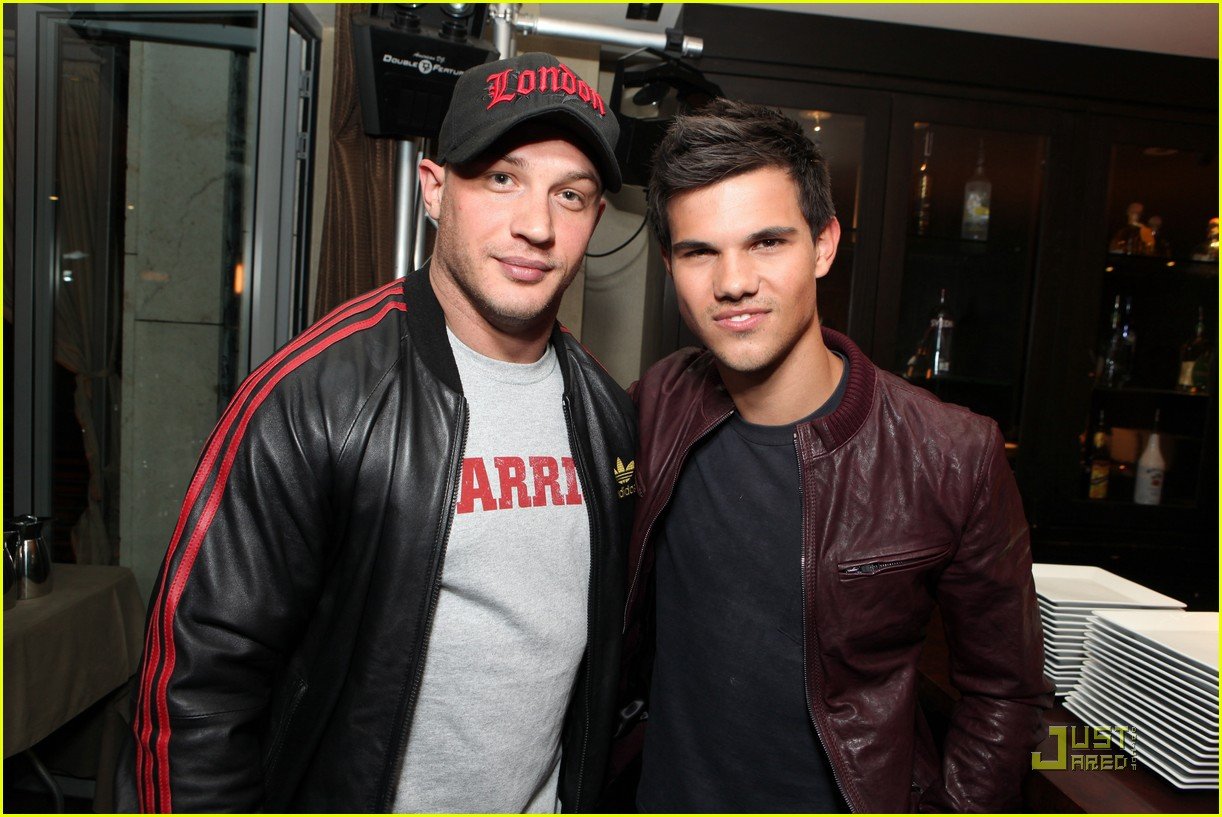 tom hardy taylor lautner lionsgate comiccon 01