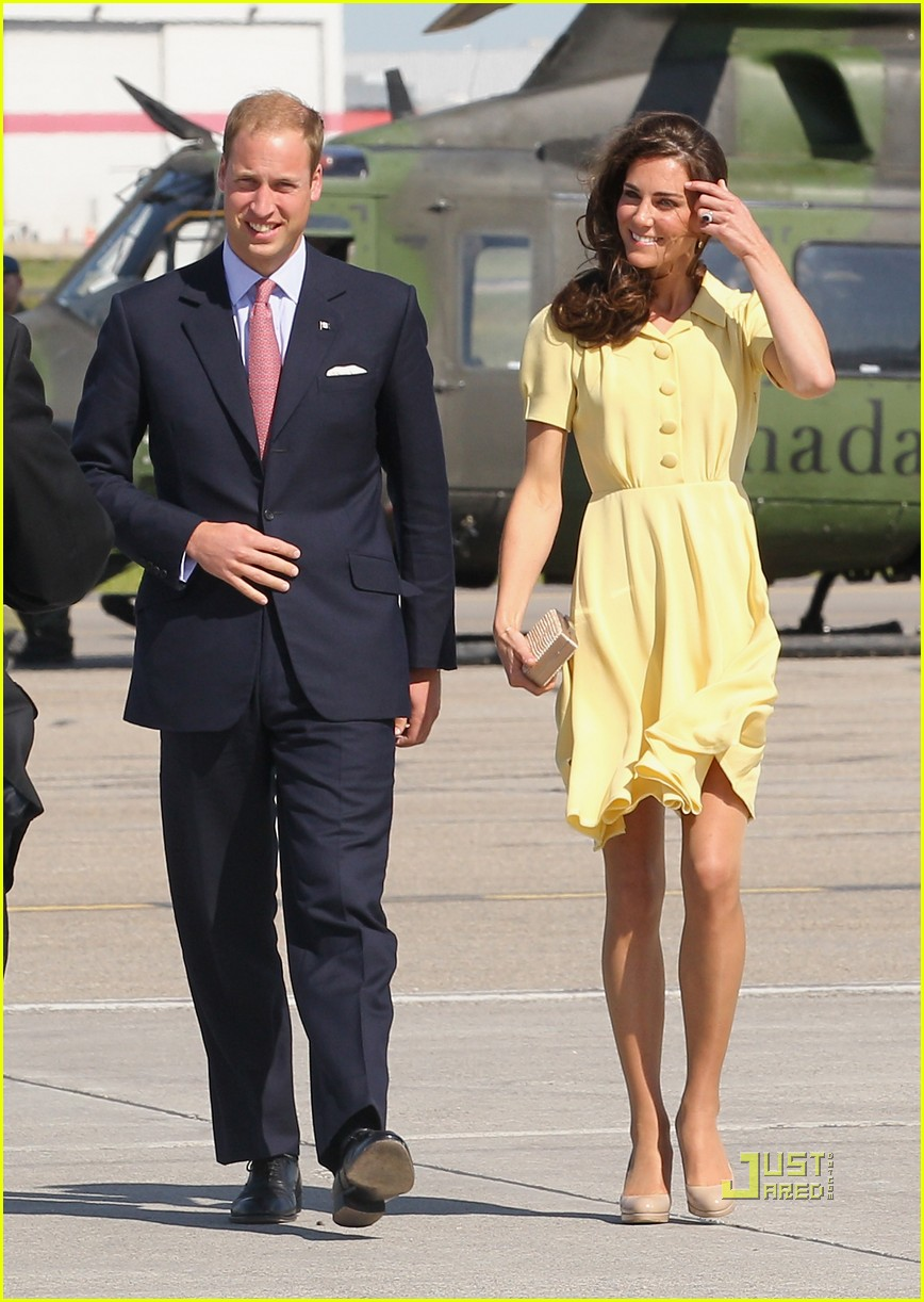 prince william kate calgary airport 14