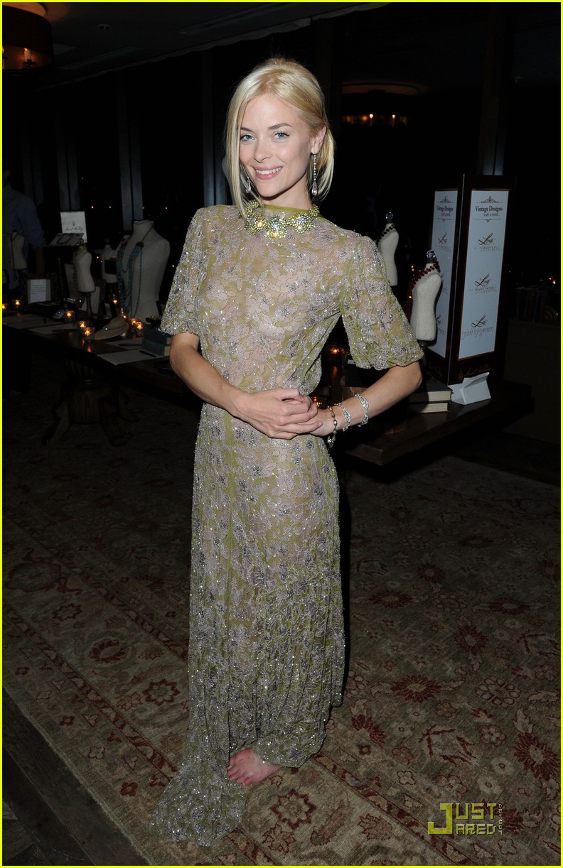 jaime king emma roberts saint vintage designs launch 03