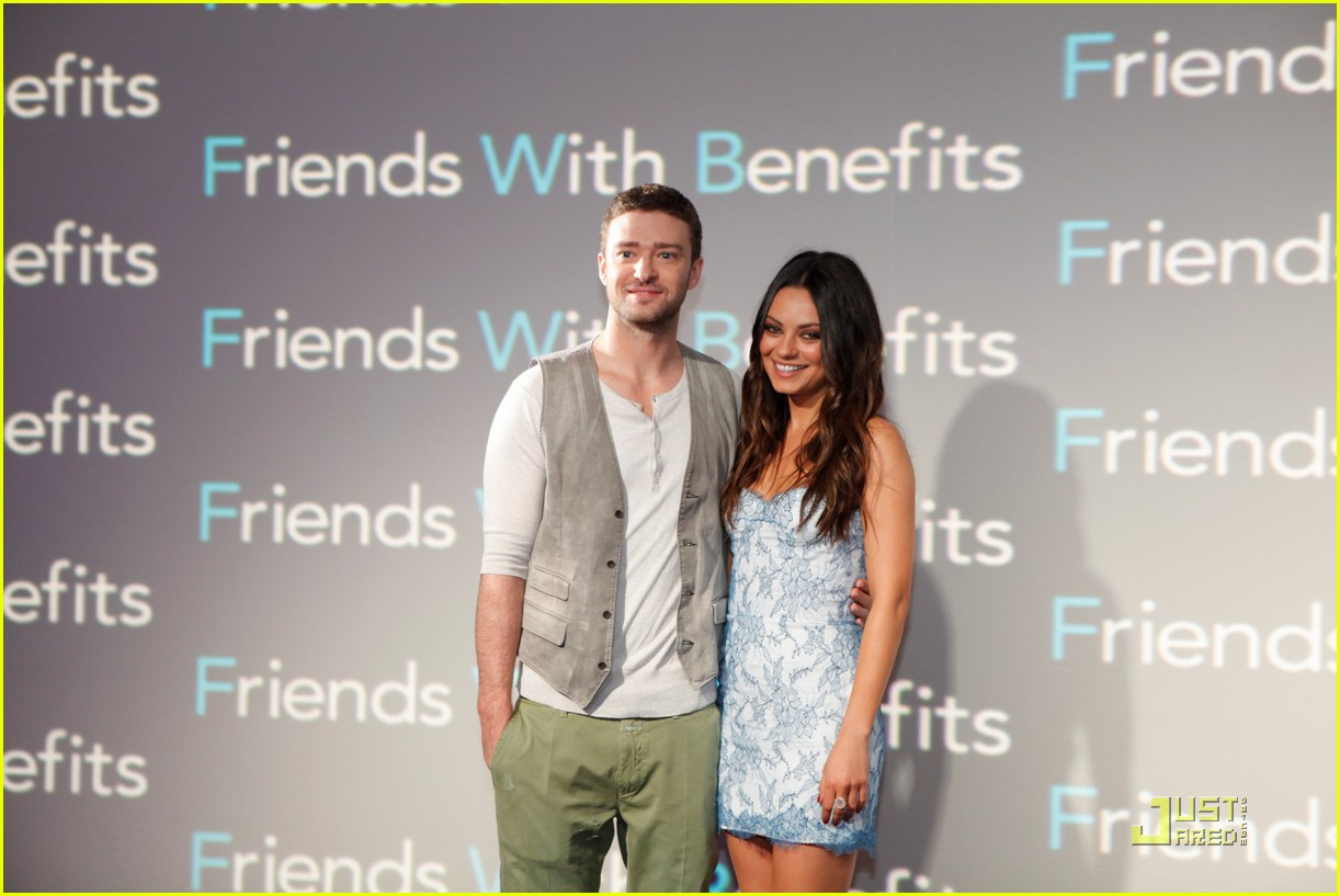 justin timberlake and mila kunis dating Mila kunis grabs justin timberlake's crotch mila kunis and justin timberlake grope each other on stage during the 2011 mtv movie awards held at universal studios' gibson amphitheatre on.