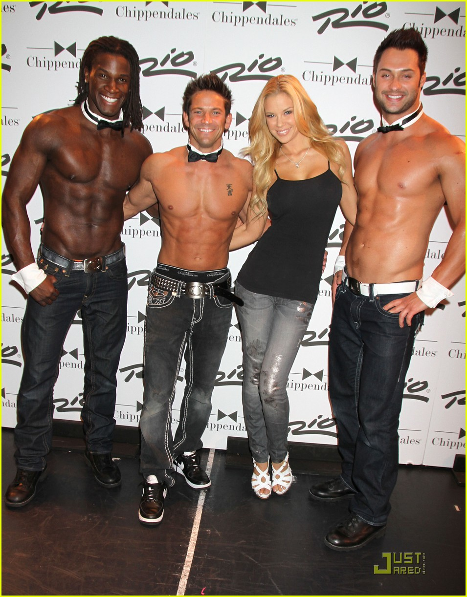 nick lachey shirtless bachelor party with 98 degrees guys photo