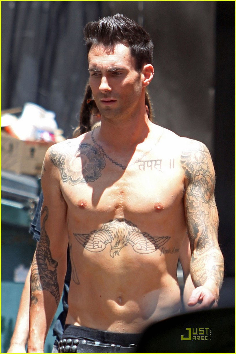 adam levine shirtless on music video set 02