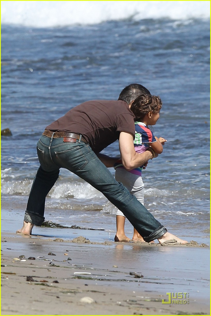 olivier martinez nahla beach playtime 11