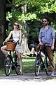 rachel mcadams michael sheen bike 01