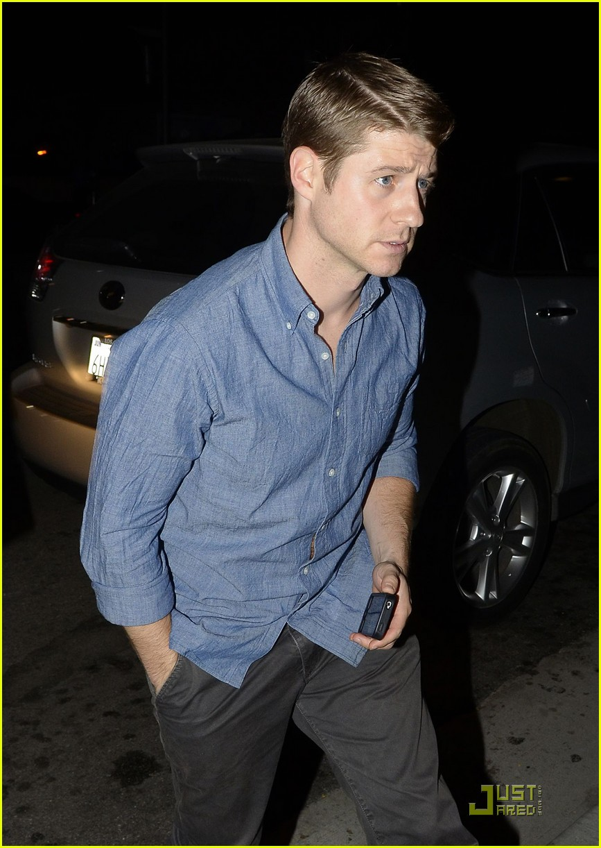 ben mckenzie dinner out 022564716