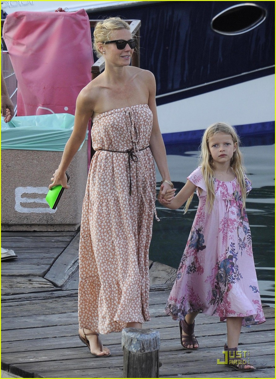 gwyneth paltrow apple moses vacation 12
