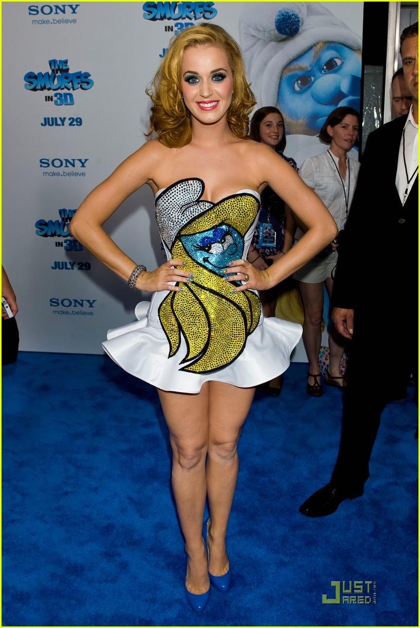 katy perry smurfette dress at smurfs premiere 01