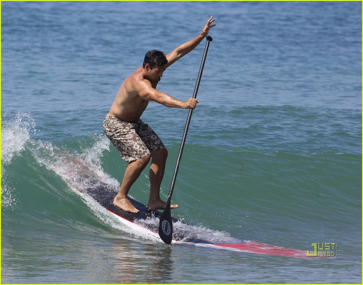 leann rimes bikini eddie cibrian shirtless malibu beach 14