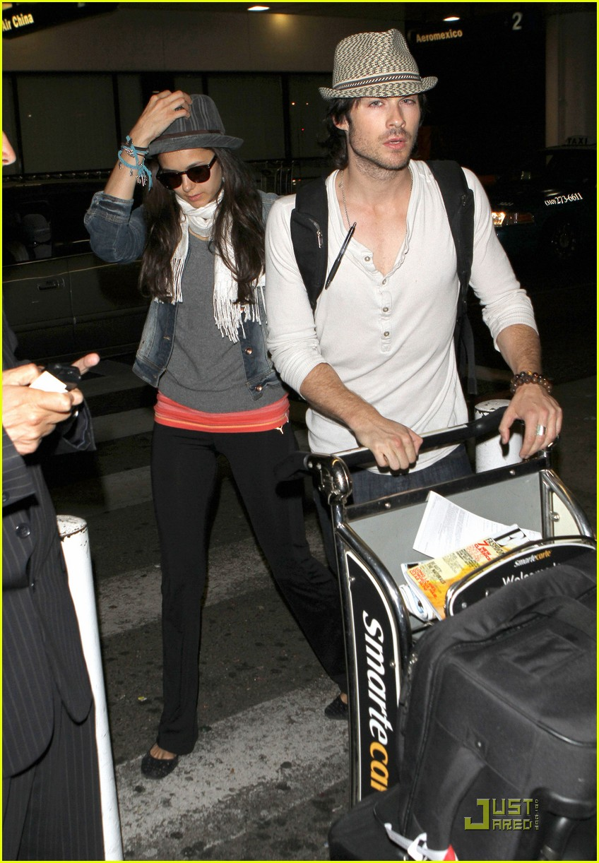 ian somerhalder lax landing with nina dobrev 08
