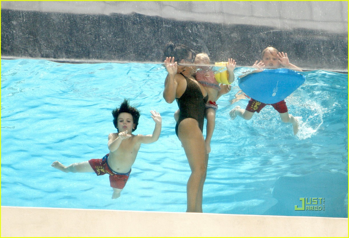 lynne spears swimsuit grandkids sean preston jayden maddie 09