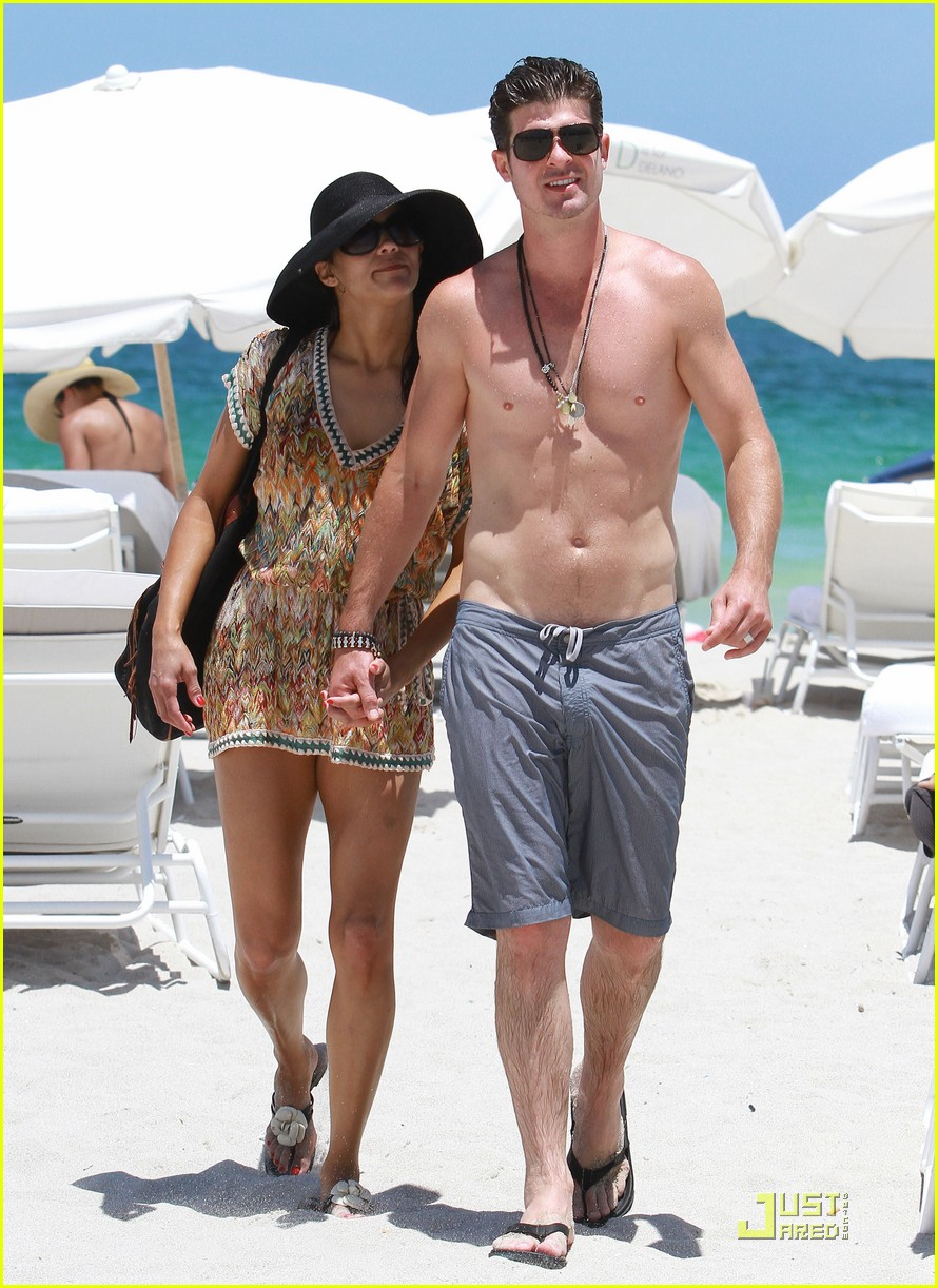 robin thicke paula patton miami mates 01