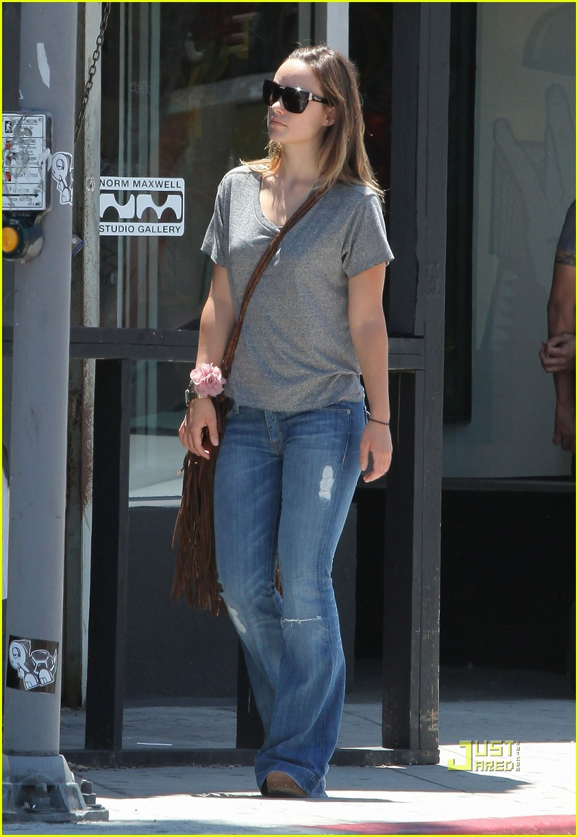 olivia wilde out friends shopping 03