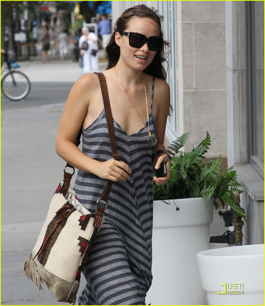 olivia wilde striped dress 02