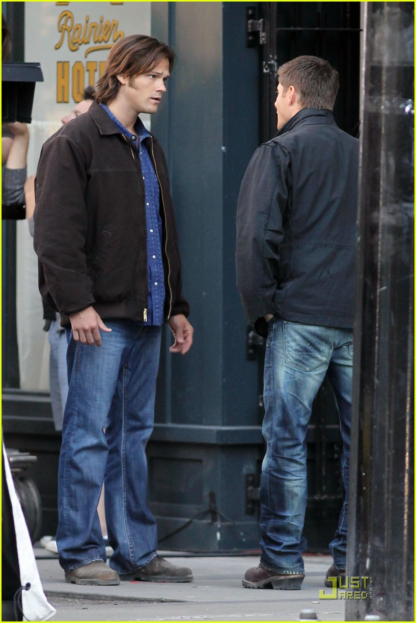 jensen ackles jared padalecki supernatural studs 06
