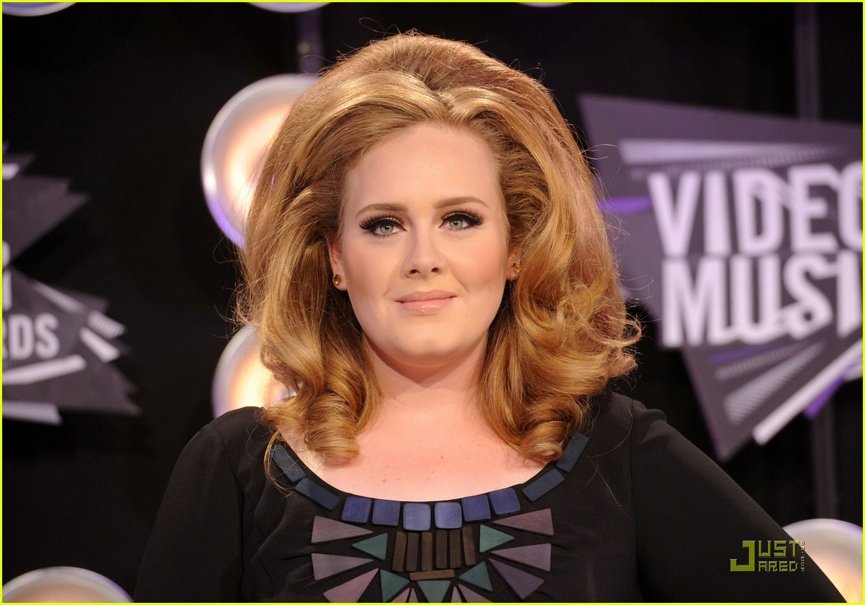 adele mtv vmas 2011 red carpet 072574369
