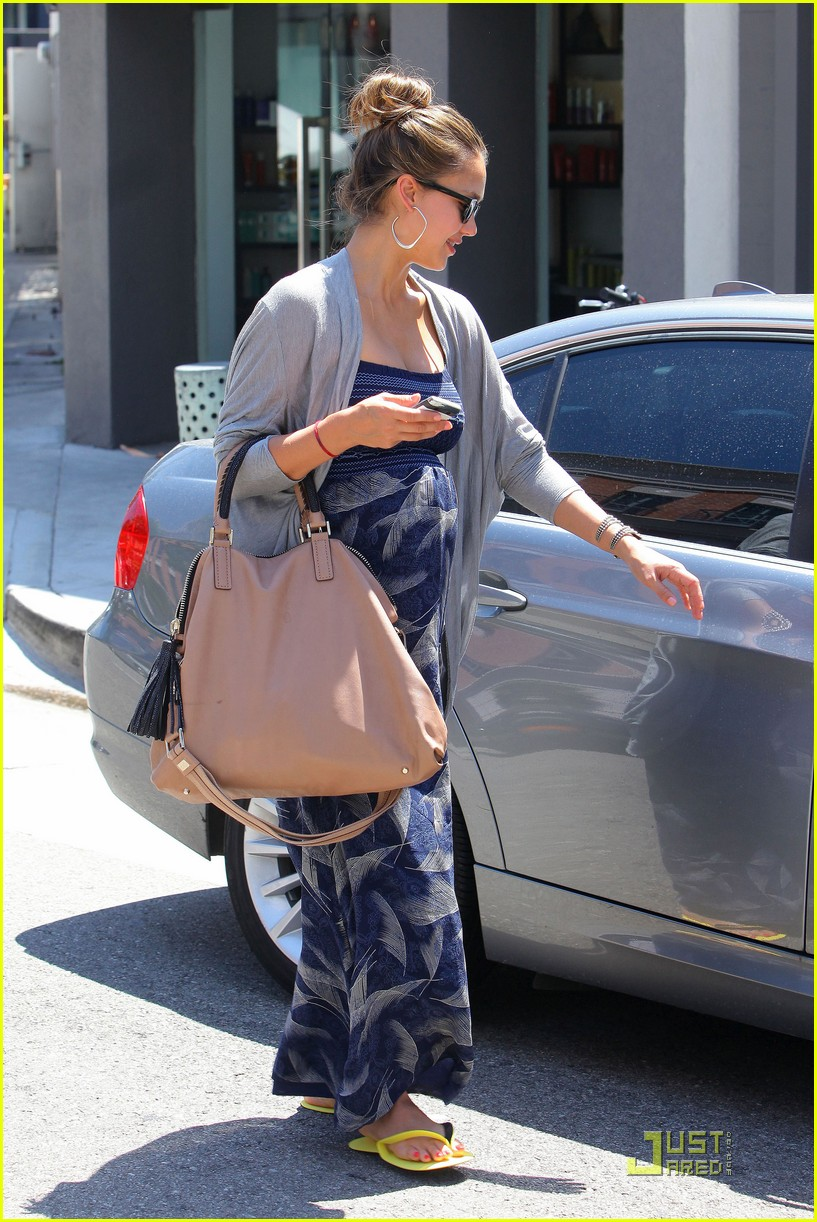 jessica alba nail salon 03