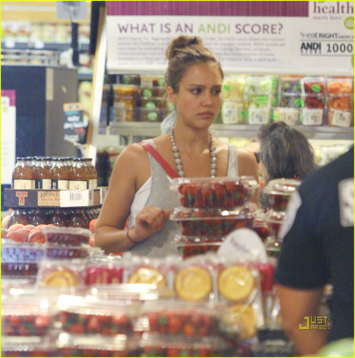 jessica alba honor whole foods 13