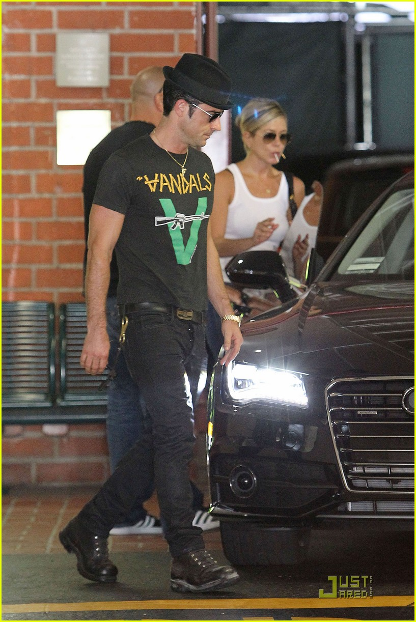 jennifer aniston doctors appointment with justin theroux 03