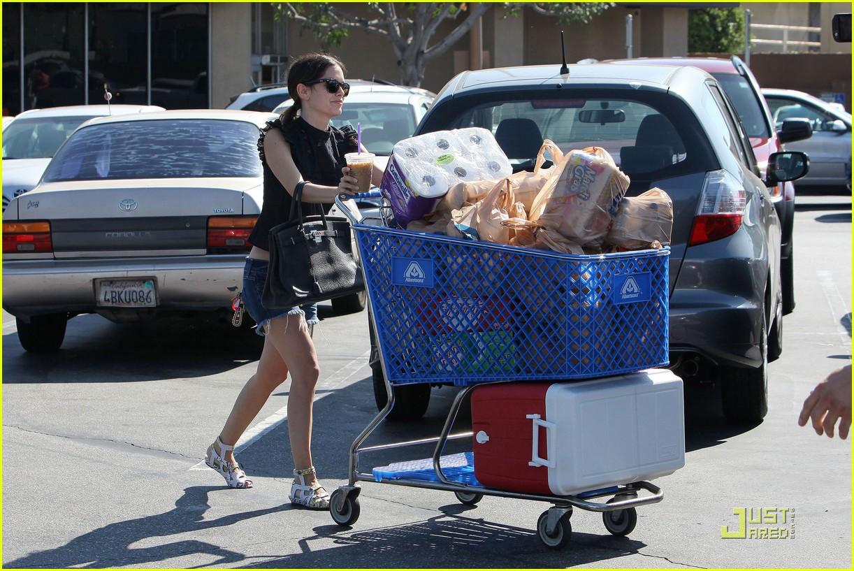 rachel bilson grocery girl 03