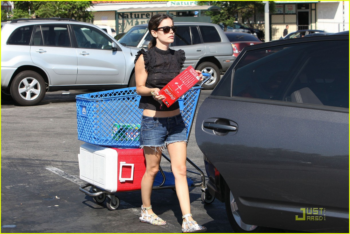 rachel bilson grocery girl 05