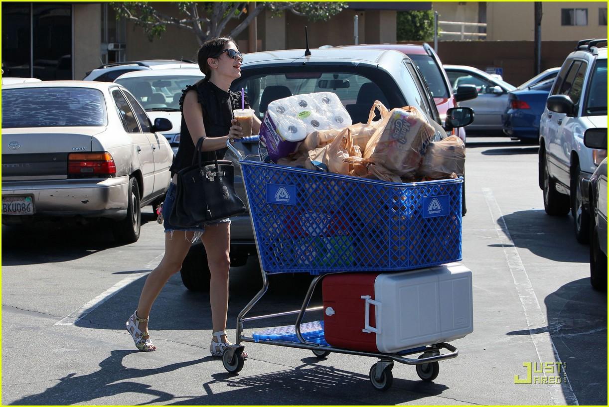 rachel bilson grocery girl 12