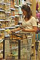 emily blunt whole foods shopper 02