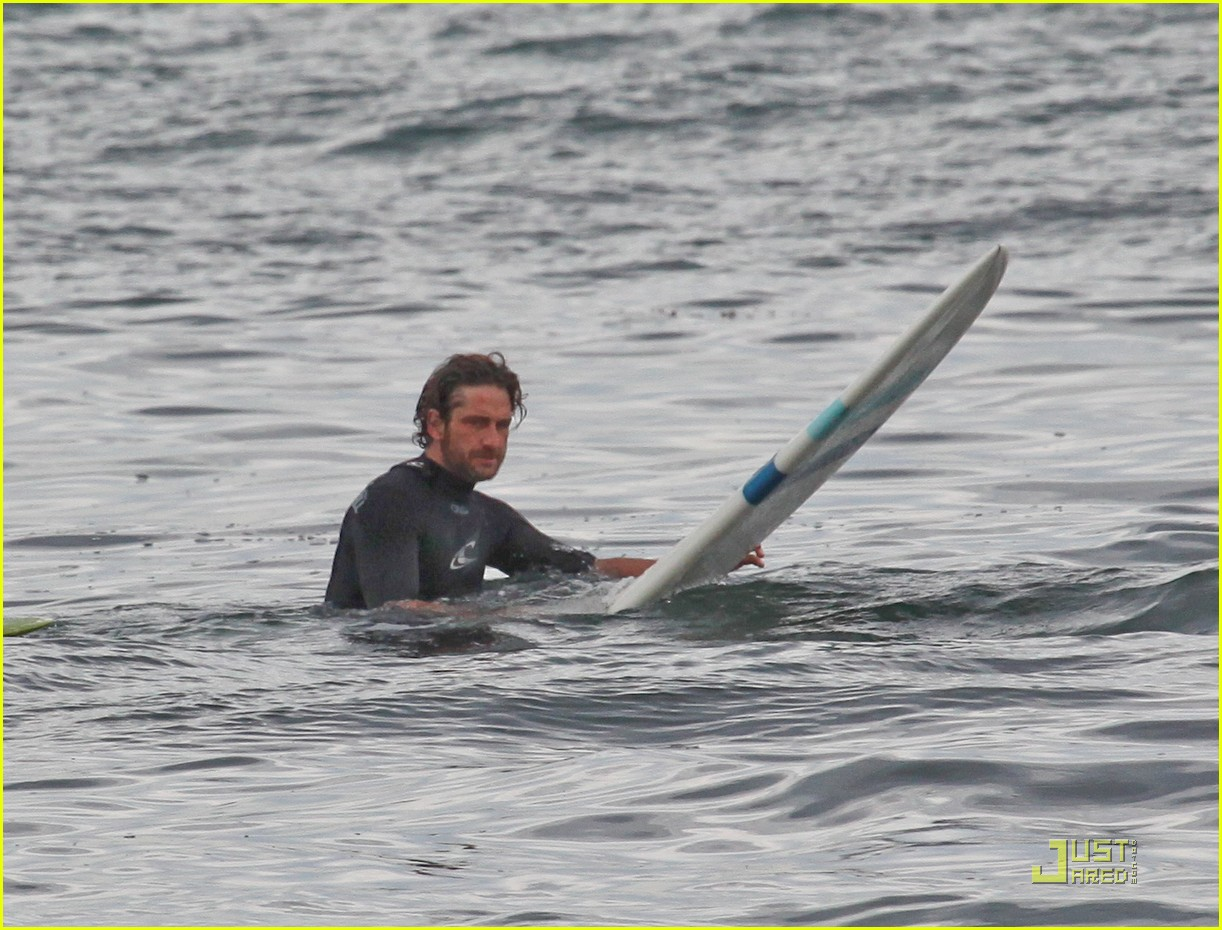gerard butler surfing lessons shower 112573614