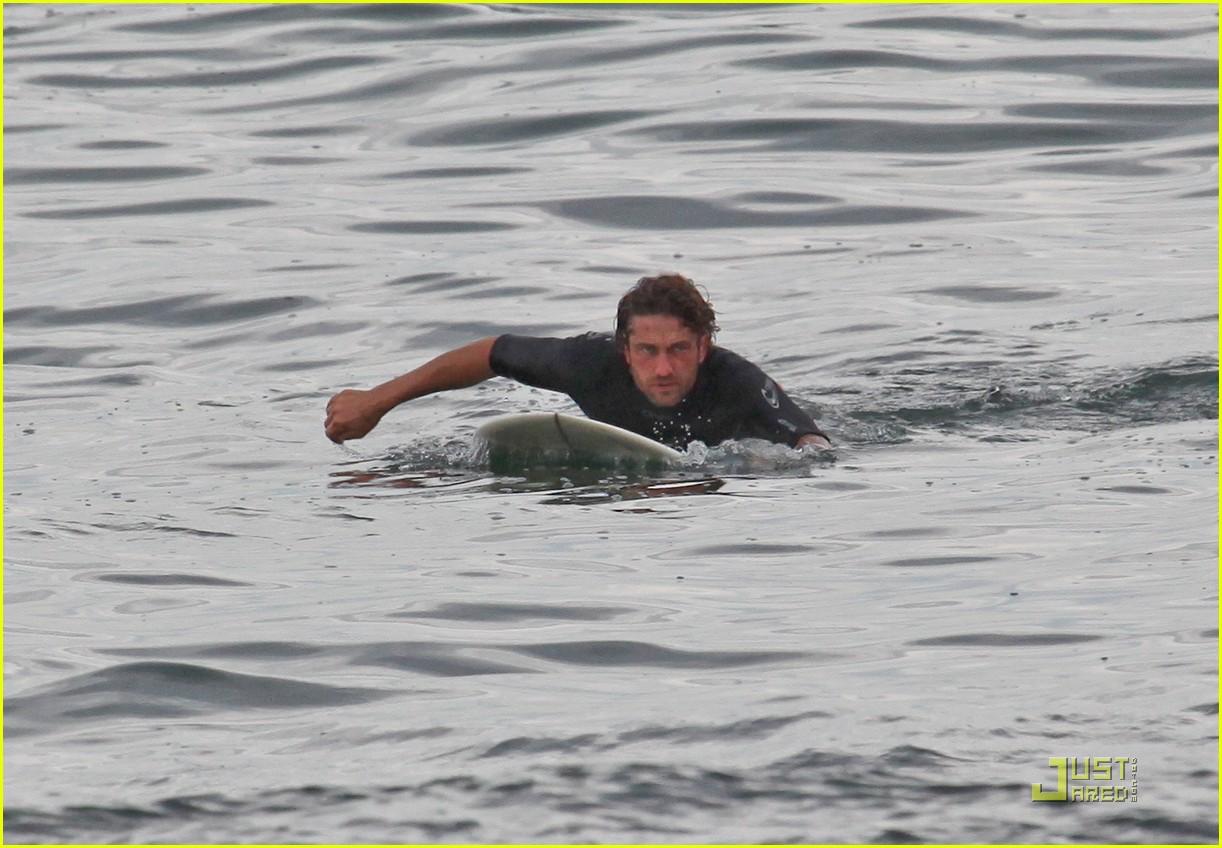 gerard butler surfing lessons shower 122573615
