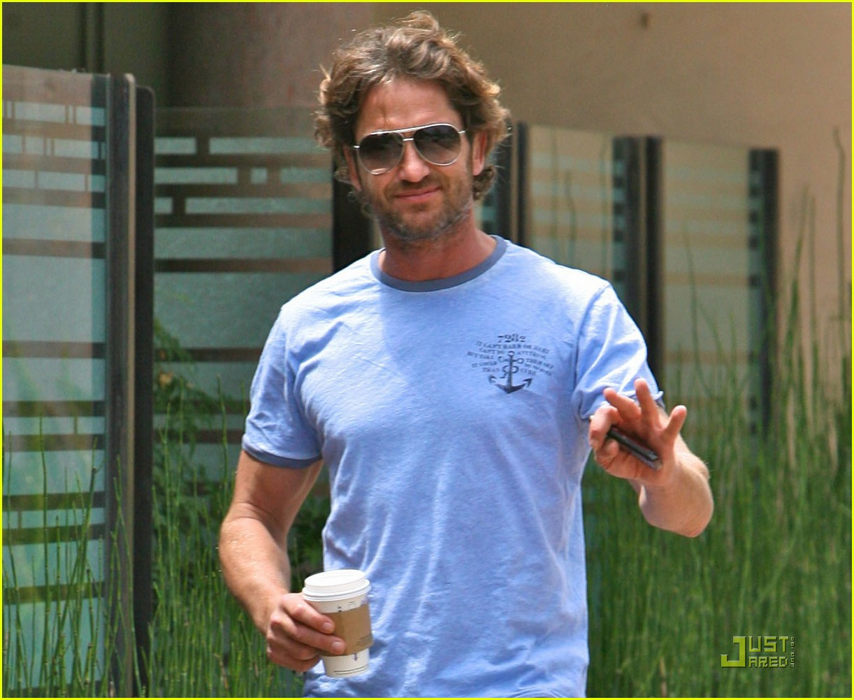 gerard butler surf coffee 112570161